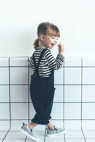 How to wear: white and black horizontal striped t-shirt, dark green overalls, grey sneakers