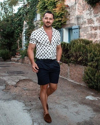 White and Black Print Short Sleeve Shirt Outfits For Men: This relaxed casual combo of a white and black print short sleeve shirt and navy shorts is very easy to pull together in seconds time, helping you look seriously stylish and prepared for anything without spending a ton of time searching through your wardrobe. Bring an elegant twist to an otherwise utilitarian outfit by rocking a pair of brown suede tassel loafers.