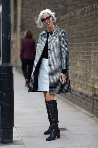This combination of a white and black check trenchcoat and a white pencil skirt is perfect for a night out or smart-casual occasions. Throw in a pair of black leather knee high boots for a more relaxed feel.
