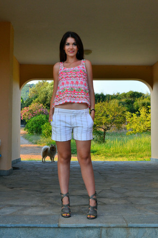 How to wear: white and pink print tank, white vertical striped shorts, dark green leather heeled sandals