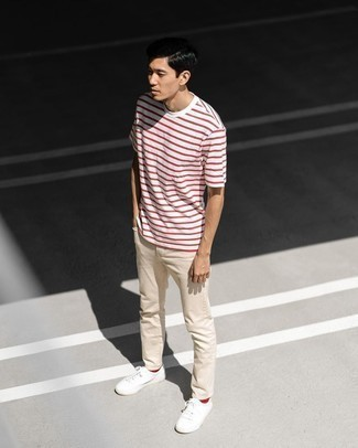 Red Socks Outfits For Men: Why not consider pairing a white and red horizontal striped crew-neck t-shirt with red socks? These two items are super practical and look amazing when married together. If you want to effortlessly dress up this getup with footwear, introduce white canvas low top sneakers to your outfit.