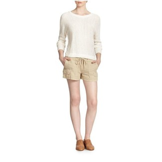 How to wear: white crew-neck sweater, beige linen shorts, tan leather loafers