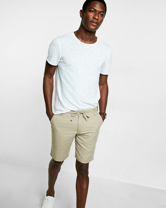 How To Wear Tan Shorts With a White and Black Crew-neck T-shirt ...