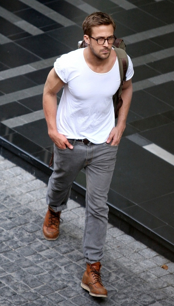 Ryan Gosling Wearing White Crew Neck T Shirt Grey Jeans Tan