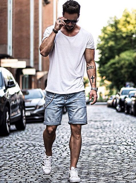 Which Low Top Sneakers To Wear With Light Blue Shorts | Men's Fashion