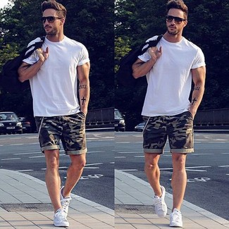 How to wear: white crew-neck t-shirt, olive camouflage shorts, white plimsolls, dark brown sunglasses