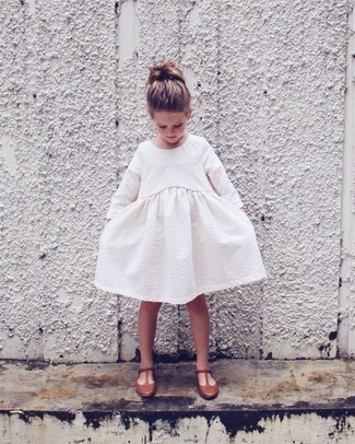 How to wear: white dress, brown ballet flats