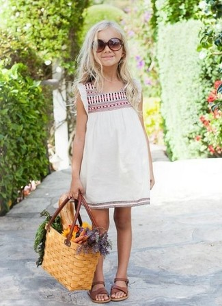 How to wear: white embroidered dress, brown sandals