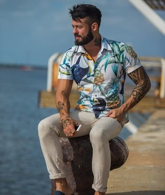 How to wear: white floral short sleeve shirt, beige chinos
