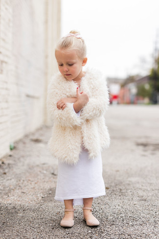 How to wear: white fur coat, white dress, beige ballet flats