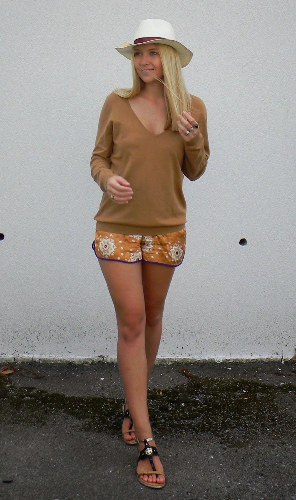 Women S White Hat Tobacco Longsleeve Shirt Orange Print