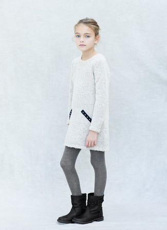 How to wear: white knit dress, black boots, grey tights
