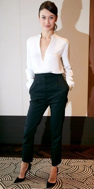 White long sleeve blouse black tapered pants black suede pumps large 12330