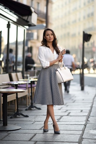 How to wear: white long sleeve blouse, grey full skirt, grey leather pumps, white leather tote bag