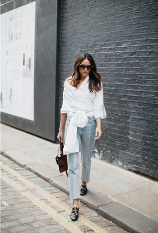 How to wear: white long sleeve blouse, light blue jeans, black leather loafers