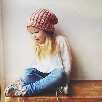 How to wear: white long sleeve shirt, blue jeans, silver sneakers, pink beanie