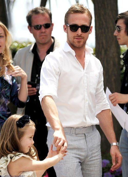 Ryan Gosling Style & Looks | Men's Fashion