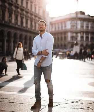 How to wear: white long sleeve shirt, grey ripped skinny jeans, brown suede casual boots, silver watch