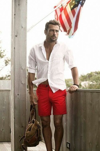 The versatility of a Brioni Twill French Cuff Trim Fit Shirt White and red shorts makes them investment-worthy pieces. What an appealing pick for warm weather!