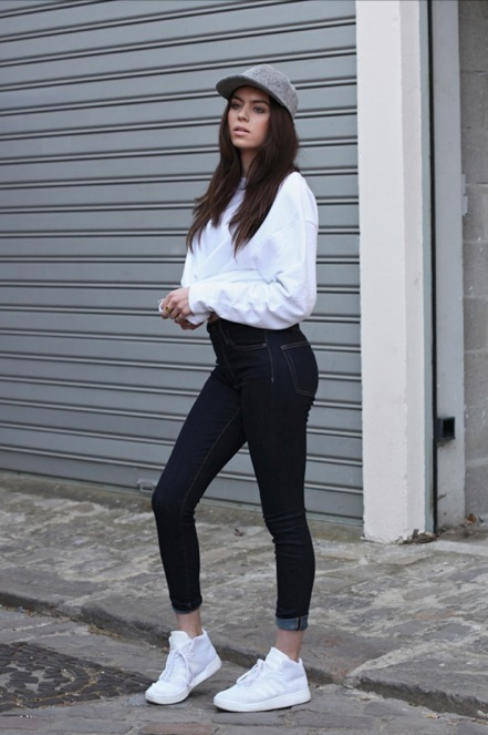 Black skinny jeans white shoes – Global trend jeans models