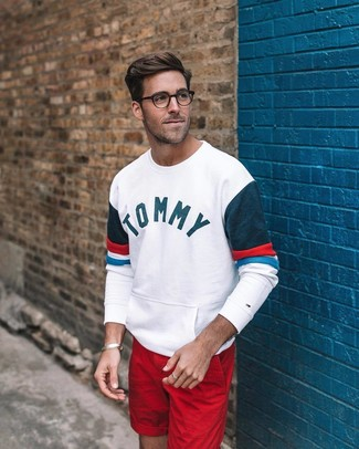 How to wear: white print sweatshirt, red shorts