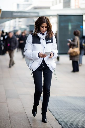 How to wear: white puffer jacket, black skinny pants, black leather pumps, black socks