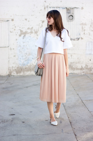 How to wear: white short sleeve blouse, pink pleated midi skirt, white leather ballerina shoes, grey leather crossbody bag