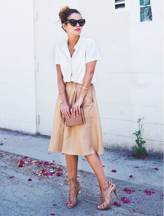 How to wear: white short sleeve button down shirt, tan pleated midi skirt, beige leather heeled sandals, brown clutch