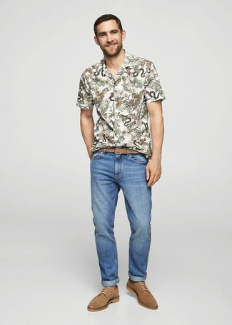 How to wear: white floral short sleeve shirt, blue jeans, tan suede derby shoes, tan woven leather belt