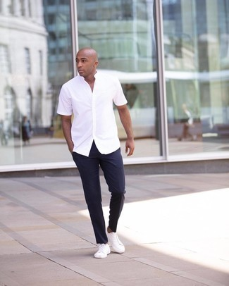 Men's White Short Sleeve Shirt, Navy Chinos, White Canvas Low Top Sneakers