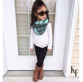 How to wear: white sweater, black leggings, brown boots, mint scarf