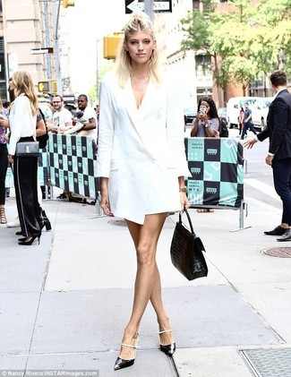 Choose a tuxedo dress for incredibly stylish attire. Black and white leather pumps will add a casual vibe to your getup. Mastering springtime fashion is easy with style inspiration like this.
