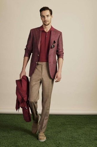 How to Wear Brown Wool Dress Pants For Men: When it comes to high-octane elegance, this combination of a burgundy windbreaker and brown wool dress pants is the ultimate style. Get a bit experimental with shoes and introduce a pair of tan leather loafers to the mix.