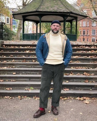 How to Wear a Beige Turtleneck For Men: This off-duty combo of a beige turtleneck and charcoal cargo pants is super easy to put together in seconds time, helping you look amazing and ready for anything without spending a ton of time going through your wardrobe. And it's a wonder how a pair of dark brown leather desert boots can transform a look.