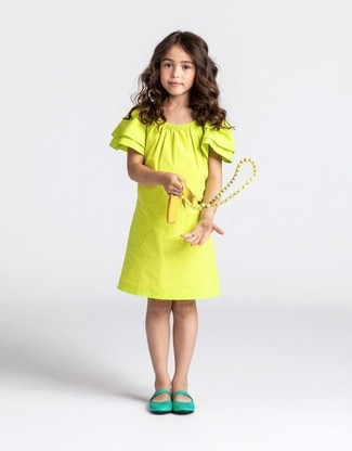 How to wear: yellow dress, green ballet flats