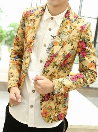 How to wear: yellow floral blazer, white print long sleeve shirt, black chinos