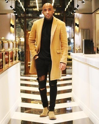 Tan Suede Chelsea Boots Casual Cold Weather Outfits For Men: One of the most popular ways for a man to style a yellow overcoat is to wear it with black ripped skinny jeans for an off-duty look. With shoes, go for something on the dressier end of the spectrum and finish off your ensemble with a pair of tan suede chelsea boots.
