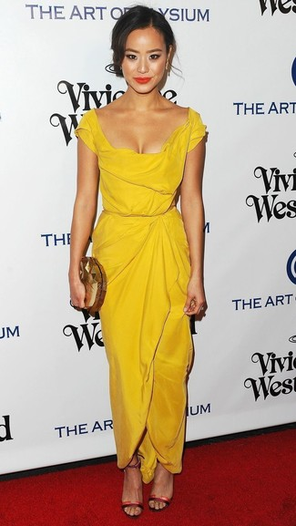 How to wear: yellow sheath dress, red leather heeled sandals, gold clutch, gold earrings