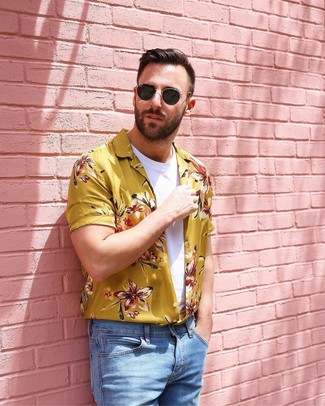 How to wear: yellow floral short sleeve shirt, white crew-neck t-shirt, light blue jeans, black sunglasses