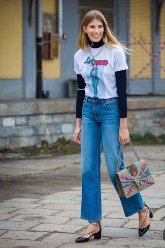 button cropped jeans