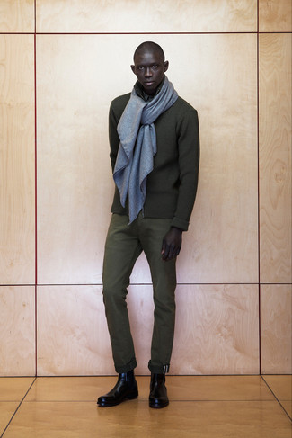 Reach for an olive zip sweater and army green dress pants for a sharp classy look. A pair of black leather chelsea boots will seamlessly integrate within a variety of outfits.