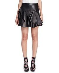 Minifalda de cuero con volante negra de Alexander McQueen