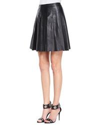 Minifalda de cuero plisada negra de Derek Lam