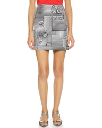 Minifalda de rayas horizontales en blanco y negro de Victoria Beckham