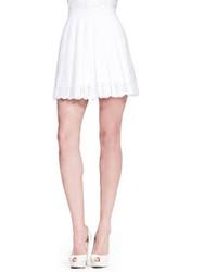 Minifalda plisada blanca de Alexander McQueen