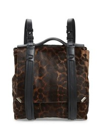 Mochila de cuero de leopardo en marrón oscuro