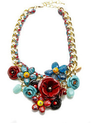Newbs Floral Statet Necklace