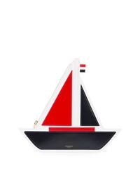 Boat shaped clutch medium 7486043