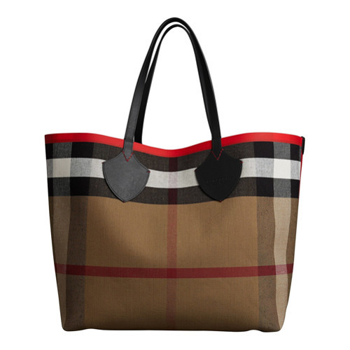 ea8e40710b22 ... Burberry The Giant Reversible Tote In Canvas Check And Leather ...