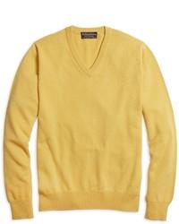 Cashmere v neck sweater medium 399295